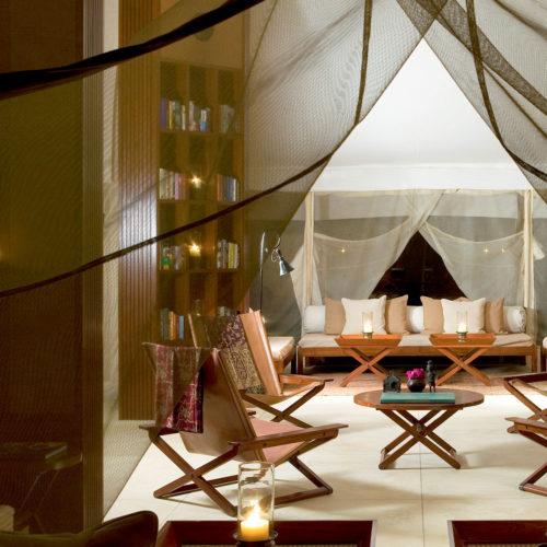 Aman-i-Khás lounge-tent-evening