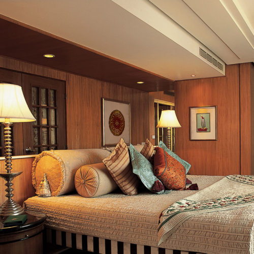 greaves_the_oberoi_amarvilas_agra_bedroom