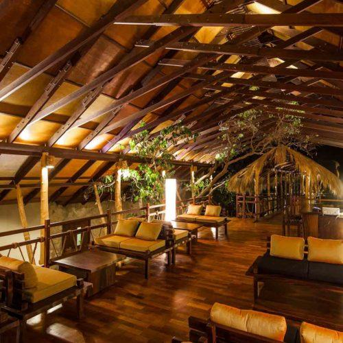 jungle-beach-dining-area