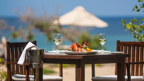 jungle-beach-dining-table-on-beach