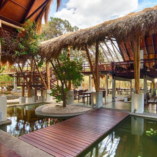 jungle-beach-outdoor-dining-area
