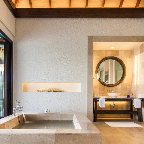 maalifufushi-by-como-bathroom