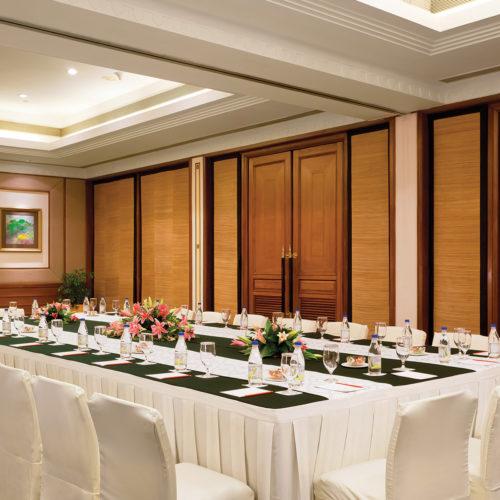 Trident Jaipur dining