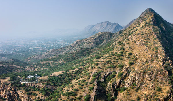 One of the world's oldest mountain ranges, the Aravalli Range is also ideal for climbers © Daniel Bhim-Rao/iStock