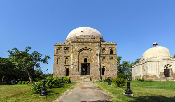 dadi-potis-tomb_-delhi-_-jorg-hackermann-shutterstock