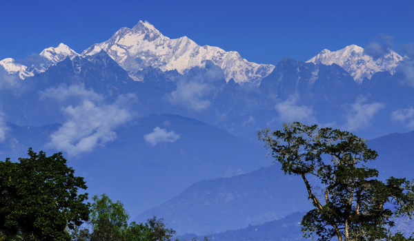 darjeeling-images_kanchenjunga_credit-rnmitra_istock_thinkstock-http___www-thinkstockphotos-co