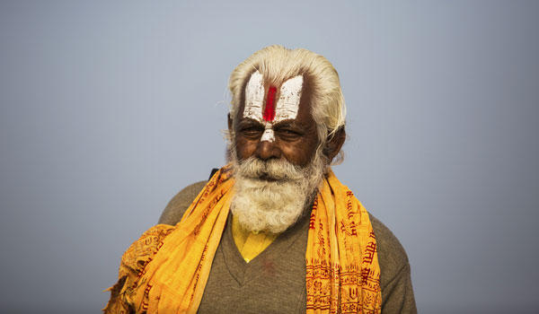 indian_forts_and_kumbh_mela_festival_-_hindu-sadhu-devotee