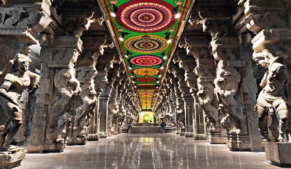 meenakshi-temple_-madurai-_-saiko3p-shutterstock-com