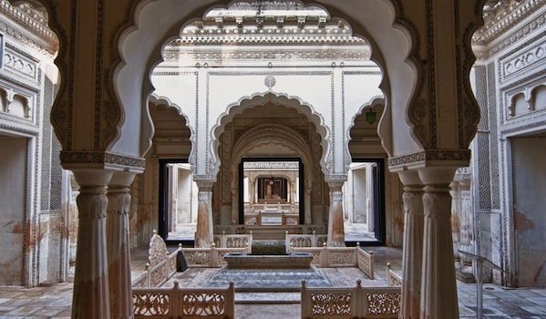paigah_tombs__hyderabad___arvind_balaraman__shutterstock_-_resized