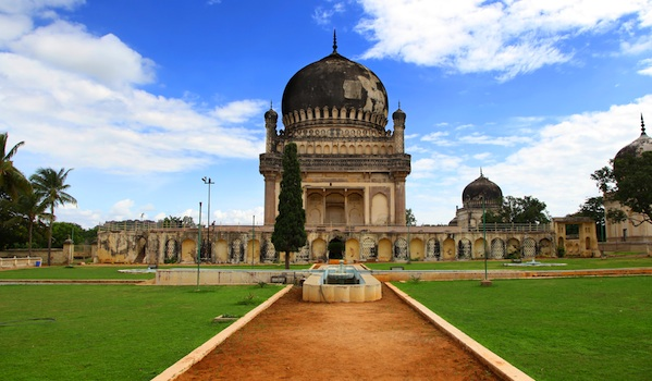 qutbshahi_tomb__hyderabad___snehit__shutterstock_-_resized