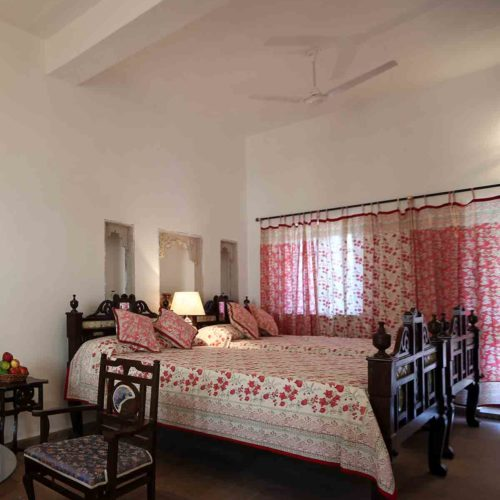 bedroom in bhainsrorgarh-fort