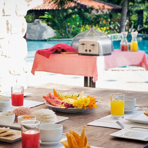 Bougainvillea Retreat breakfast table