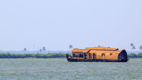 boat on kumarakom lake