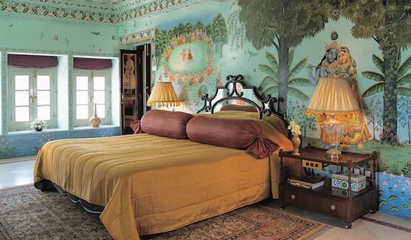 15_stay_at_the_sajjan_niwas_suite_at_the_lake_palace_-_credit_taj_hotels