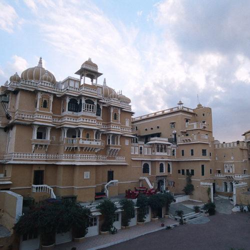 deogarh-mahal-hotel-courtyard