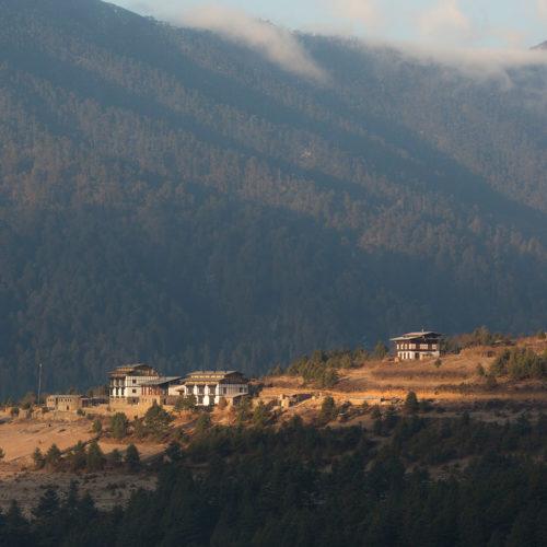 gangtey-lodge-bhutan-view-over-valley