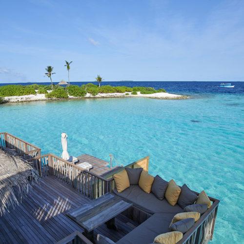 gili-lankanfushi-balcony