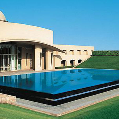 Trident Gurgaon pool area