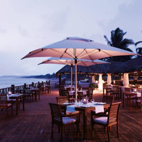 greaves_vivanta_by_taj_vacation_village_dining_area
