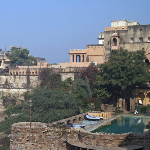 neemrana-fort-palace-pool