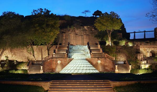 best_indian_palace_hotels_-_bal_samand_lake_palace