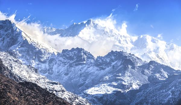 darjeeling-images_kanchenjunga-closeup_credit-siripong-jitchum_istock_thinkstock-http___www-thinkstockphotos-co