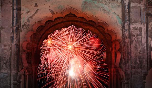 greaves_diwali_fireworks-archway_credit-istock_thinkstock