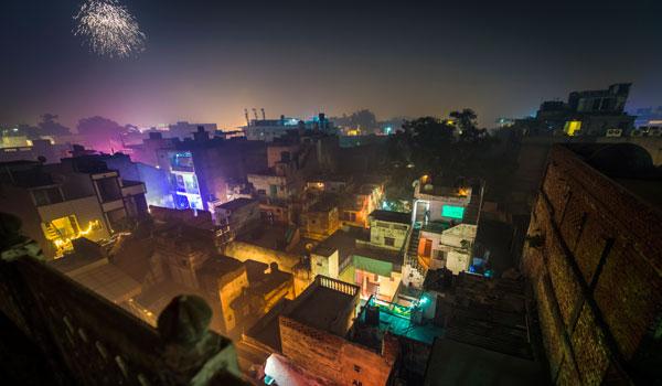 greaves_diwali_fireworks-in-delhi_credit-istock_thinkstock