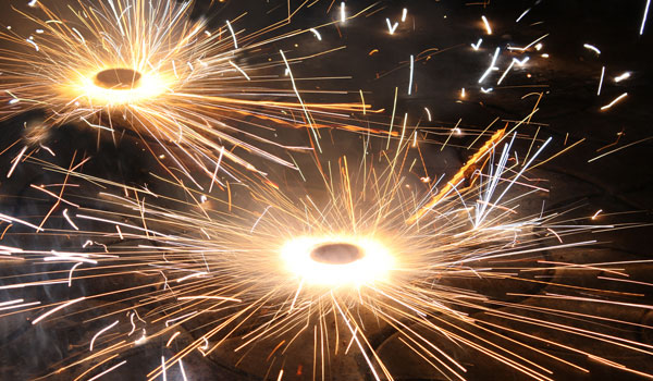greaves_diwali_sparklers_credit-istock_thinkstock