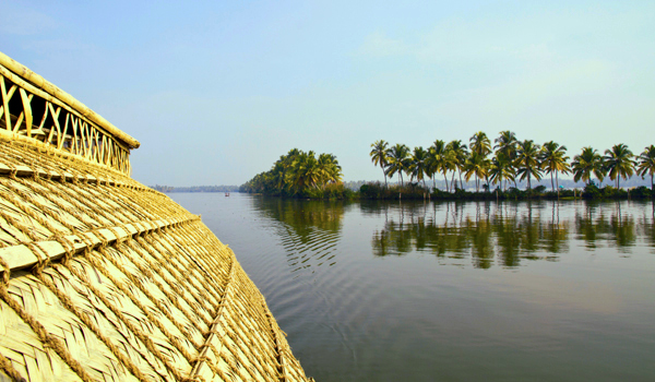 greaves_kerala-houseboat_credit-mabe123-istock-thinkstock-copy