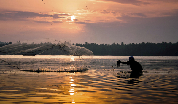 greaves_restaurants-in-kerala_fishing_credit-athulkrishnan-istock-thinkstock-copy