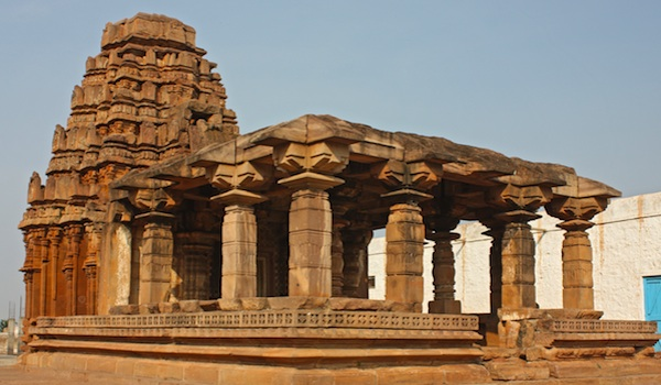 greaves_south_indian_art_badami_sandstone_temple___shutterstock_user_alexandra_lande-resized