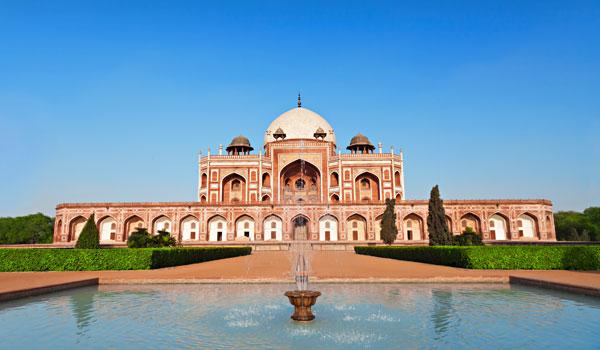 greaves_waddington_humayun_s-tomb-new-delhi_credit-shutterstock-user-saiko3p