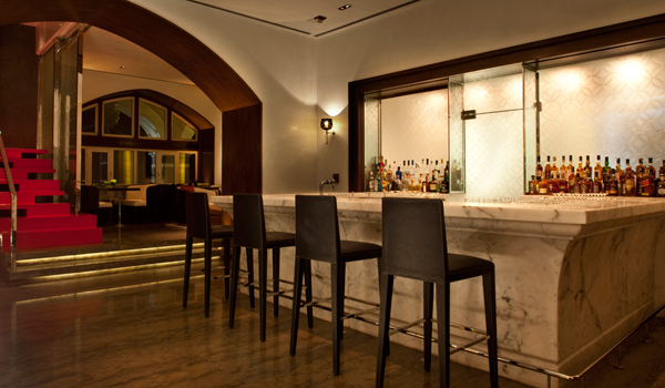 The harbor Bar at the Taj Mahal Palace Hotel was the city's first licensed lounge bar © Taj Hotels