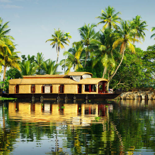 boat on kerala backwaters