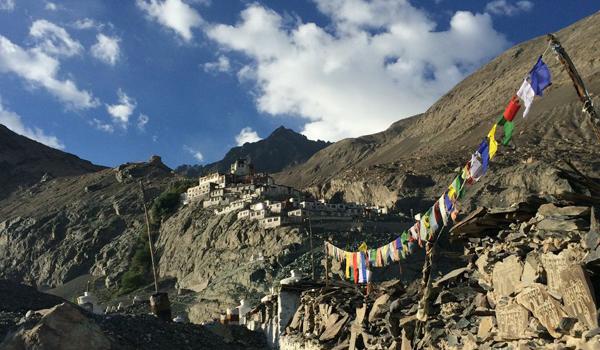ladakh-trek-_-prayer-flags