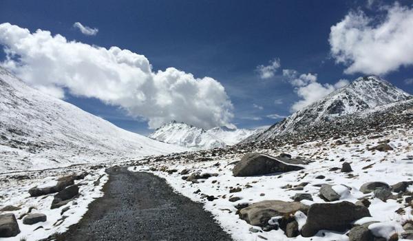 ladakh-trek-_-snow
