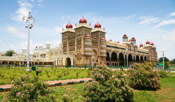 maharajah_palace__musore___jorisvo_-_shutterstock-com