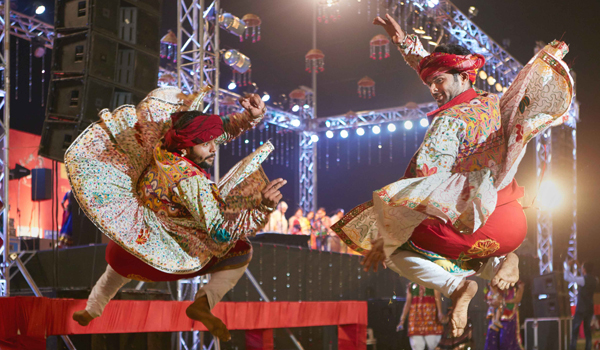 Performers engage in several traditional dances during Navratri © Gujarat Tourism