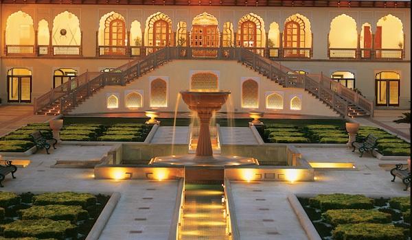 rambagh_palace_the_palace_courtyard__chandani_chowk_-resized