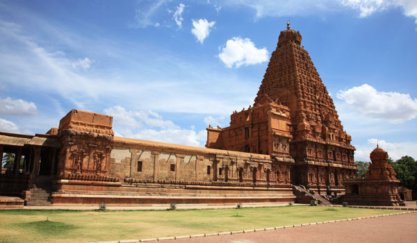thanjavur-brihadishwara-_-ajp-shutterstock