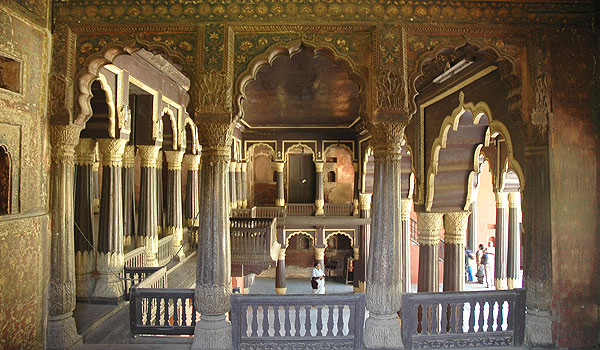 tipu-sultan_s-palace_-bangalore-_-arteki_-shutterstock