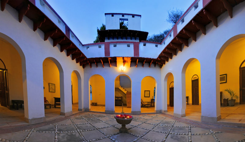 Chambal Safari Lodge | Main House Verandah