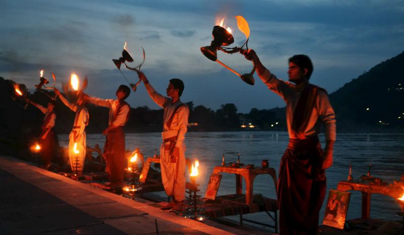 Rishikesh Yoga | Taj Hotels_Arti