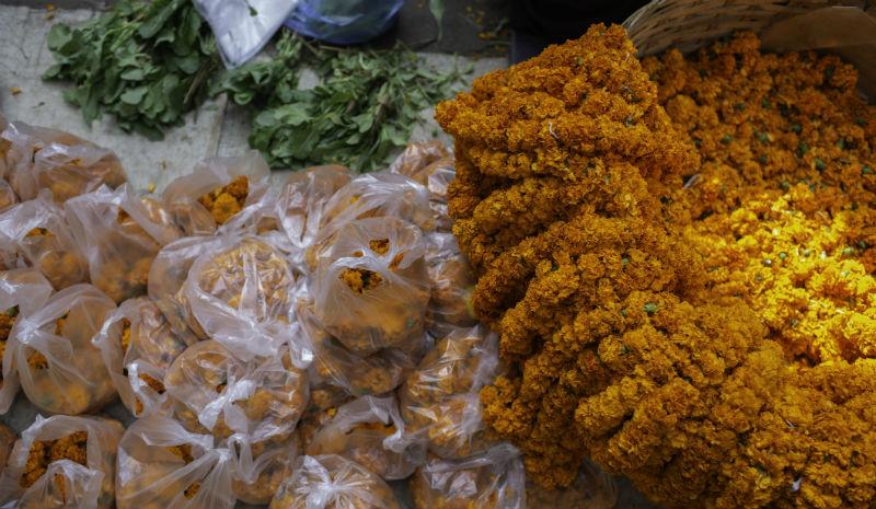 Temple Etiquette | Ritual flowers