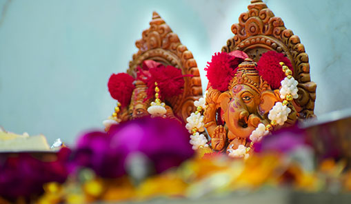 Christmas in Goa | Ganesha and flowers