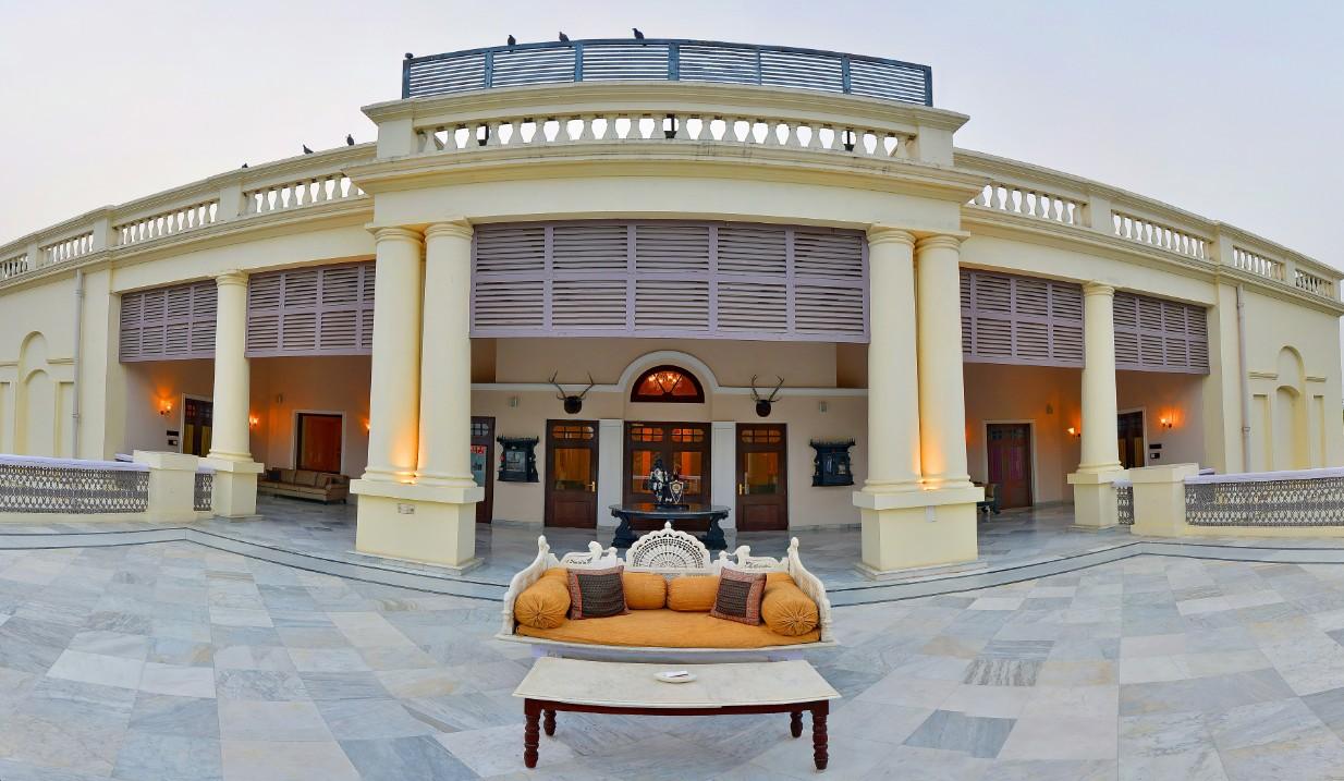 Varanasi Holiday | Taj