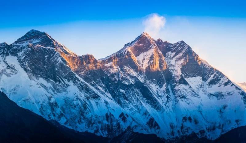Nepal Honeymoon Everest