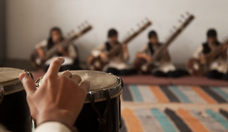 25 Indian Experiences | Sitar lesson